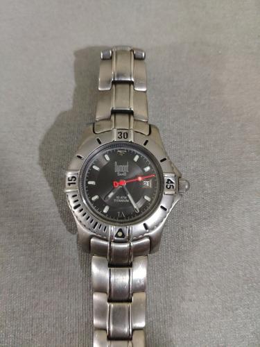 Relógio Feminino Dumont.