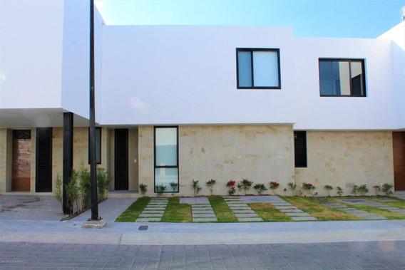 Casa En Renta En Zibata, El Marques, Rah-mx-21-430