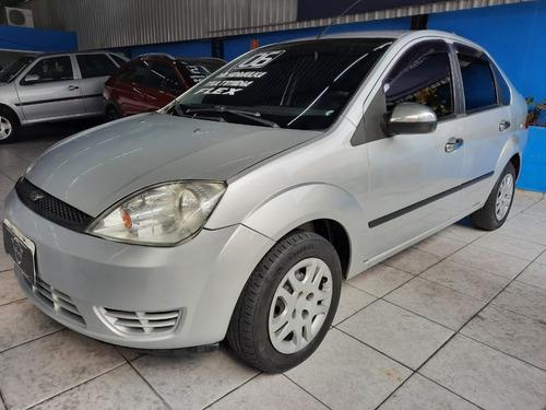 Imagem 1 de 11 de Ford Fiesta Sedan 1.6 Flex 2006 Com Direção Hidraulica