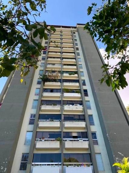 Apartamento En Venta En Lomas De Prados Del Este Mls 20-6206