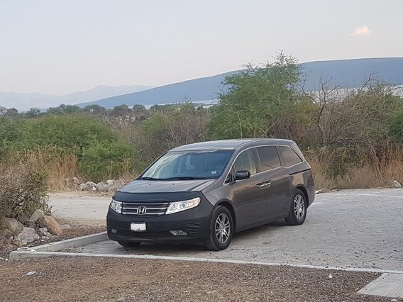 Excelente Honda Odyssey Equipada