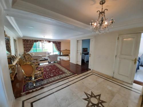 Lindo Sobrado Alto Padrão - Alto De Pinheiros - 560m² Útil - 5 Dormitórios ( 4 Suites ) - 6 Vagas. - 1241