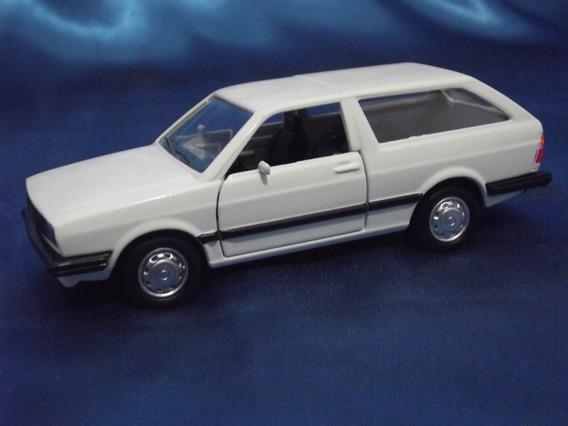 Miniatura 1:43 - Volkswagen Parati 1978 ( Abre Portas )