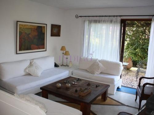Casa En Venta La Barra, 4 Dormitorios , Muy Cerca De La Posta Del Cangrejo.- Ref: 180