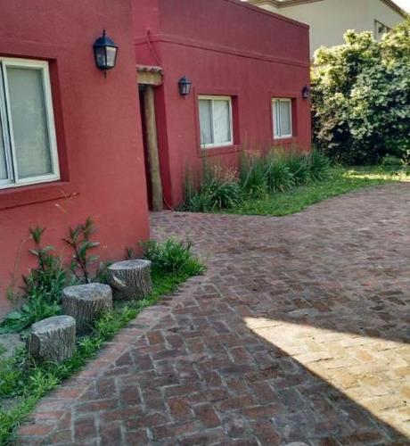 Oportunidad!! Hermosa Casa A La Venta En Una Planta, 3 Dormitorios En Barrio Los Sauces. Pilar