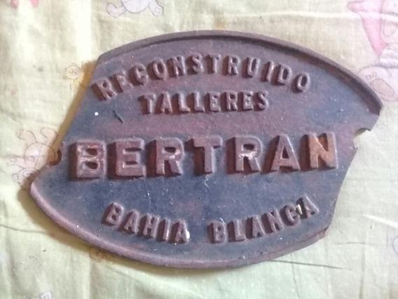 Placa Antigua De Ferrocarril Con Detalle