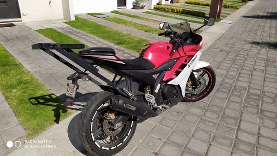 Yamaha 2015 R15 Solo 5250 Km.