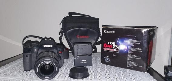 Câmera Eos T5i, Lente 18-55mm, Carregador, Bolsa