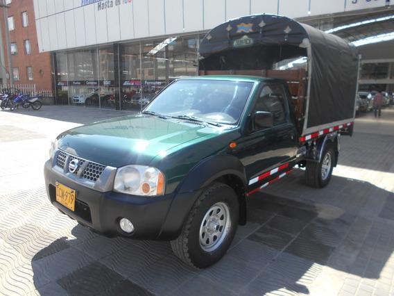 Nissan D22 Estacas