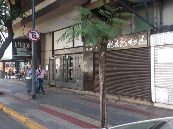 Centro Zona City Bancaria Excelente Local Sobre Av. Maipu Casi Esquina Olmos