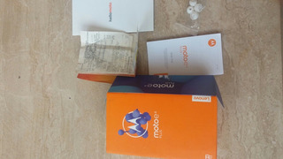 Caixa Moto E 4plus Com Nota Fiscal Manual