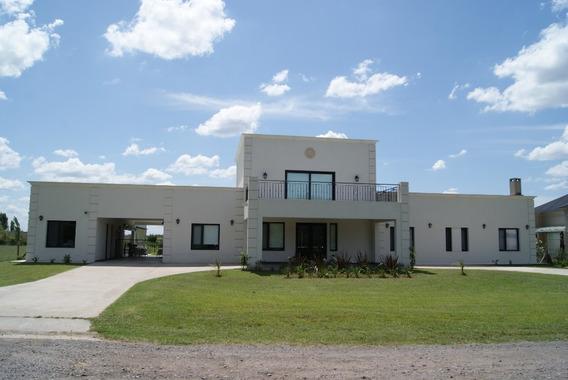 Casa 410 M2. Nueva 2019. 2000 M2. Comarcas De Luján.