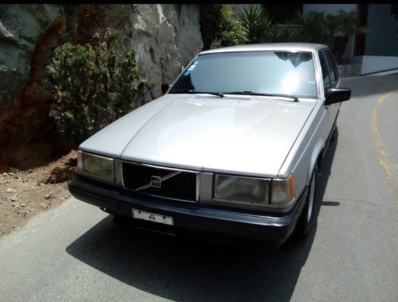 Volvo 940 Sedán