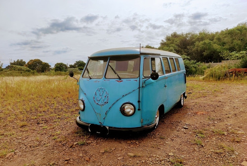Imagem 1 de 8 de Volkswagen Kombi