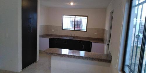 Casa En Renta Calle 100-2 146 F, Komchen Fraccionamiento Las Americas