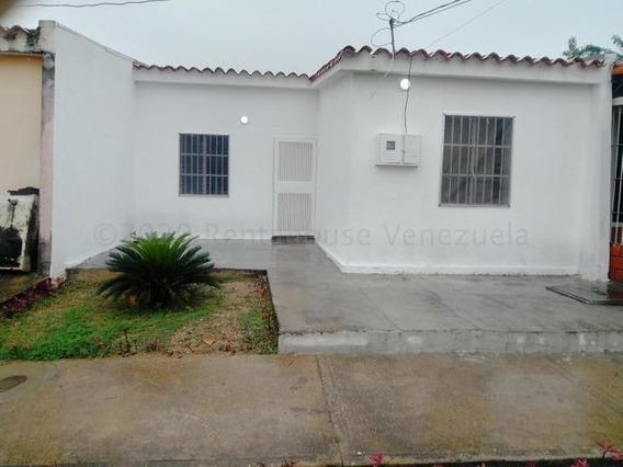 Casa En Venta El Placer Cabudare 21-6795 Jcg
