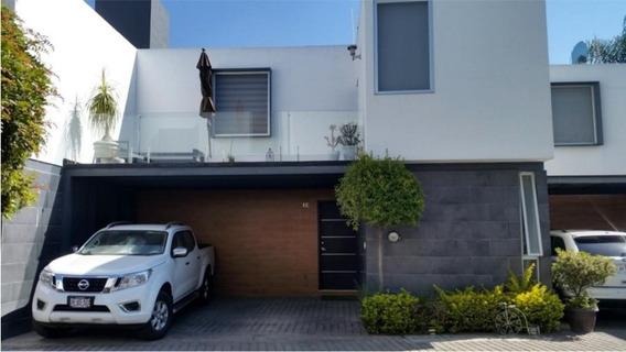 Casa 12 En Los Robles Condominio Espacio Boreal, Zapopan Jal.
