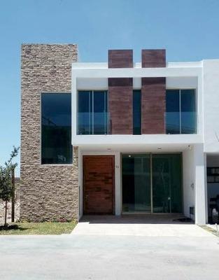 Casa En Venta 4 Recs. Valeira Habitad, Solares, Zapopan Jal.