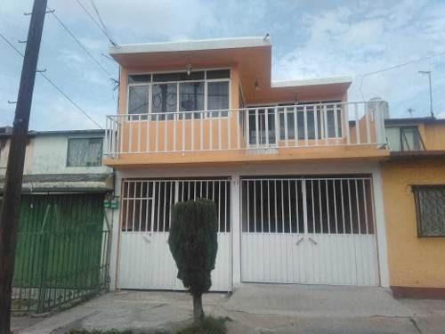 Excelente Casa Sola