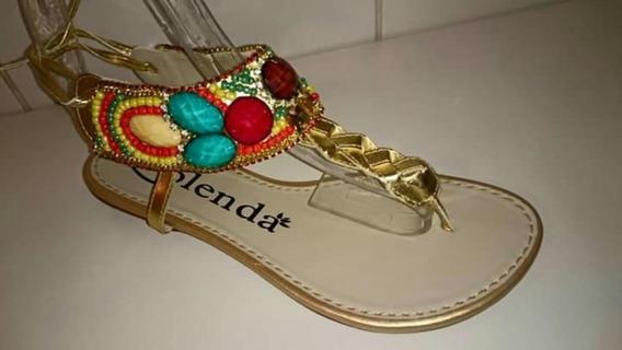 Sandálias Com Detalhes Em Miçagas
