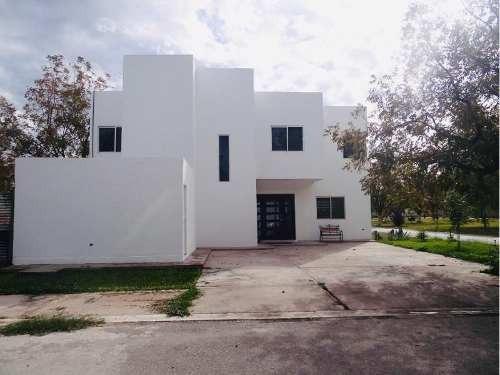 Casa En Venta En Fracc . San Armando