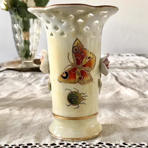 Antiguo Florerito De Porcelana Europea