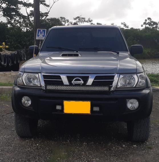 Campero Nissan Patrol Color Plata Combustible Diesel