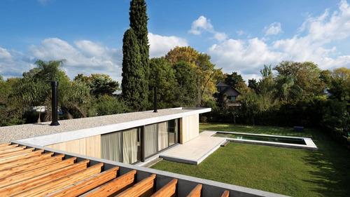 Moderna Casa De Muy Buen Diseño