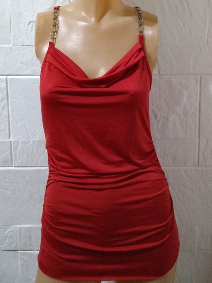 Hermosa Remera Roja De Lycra Con Breteles Metálicos