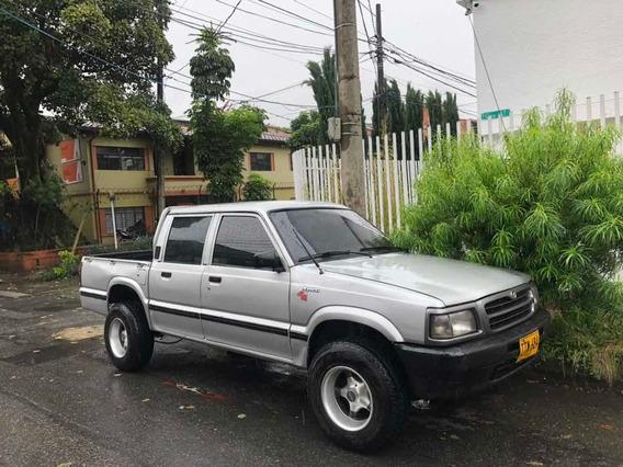 Mazda B2600 4x4 Doble Cabina