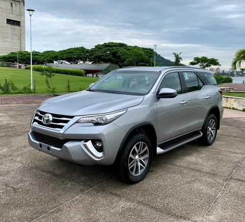 Toyota - Sw4 2.8 Tdi Srx 4x4 Aut. 7 Lugares. 2020