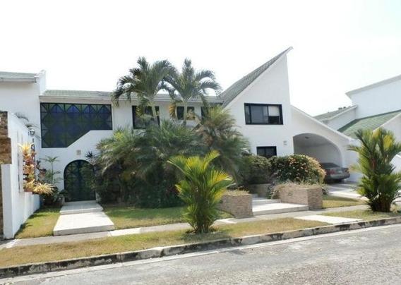 Casa En Venta Altos De Guataparo Mz 19-6486 T04244281820