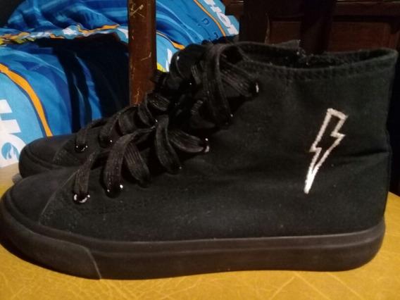 Zapatillas Cheeky Tipo Botitas Negras. Nro.35