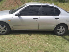 Nissan Primera 2.0 Gxe 4p 1998