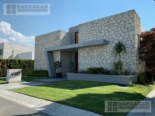 Casa En Venta Con Espectacular Vista Al Campo De Golf, El Campanario Querétaro