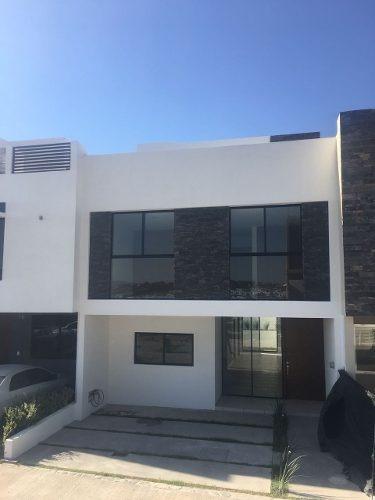 Casa En Venta En Valle Imperial, Zapopan! Nueva