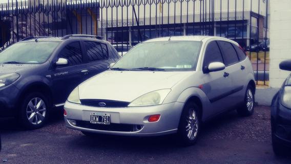 Ford Focus 2.0 Ghia 2000 (dkw781)