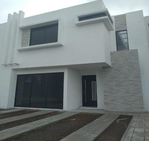 Casa Residencial En Pre-venta En La Magdalena Tlaltelulco, Tlaxcala