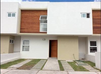 Casa Amueblada En Renta De 3 Hab + Cuarto De Servicio En Valle De Juriquilla