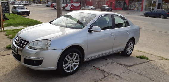 Volkswagen Vento Advance 2.5