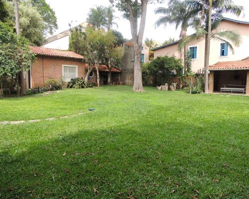 Imagem 1 de 30 de Casa Térrea Com Amplo Jardim. - Reo253991