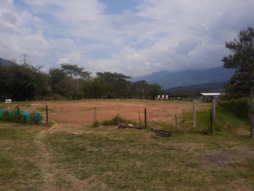 Guatape Lote 702m2 Urbano