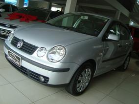 Volkswagen Polo Sedan 1.6 8v 4p