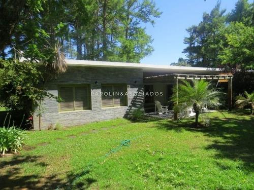 Casa De 3 Dormitorios En Solanas, Punta Ballena- Ref: 2010