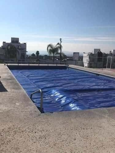 En San Pedrito Peñuelas, 3 Recamaras, Alberca, 2.5 Baños