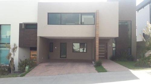 Casa Renta Lago Nogal.