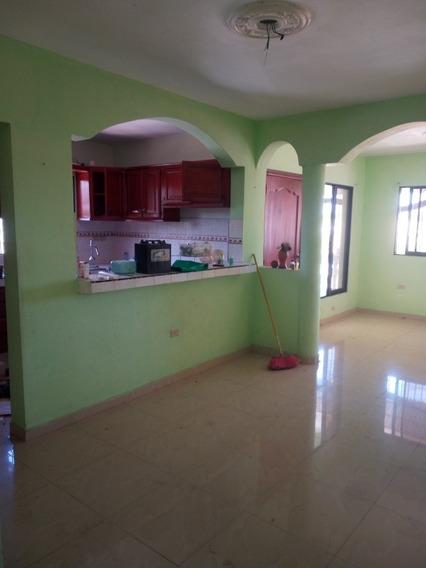 Apartamento En Pueblo Nuevo 3er Nivel, 3 Hab, 2 Baños,