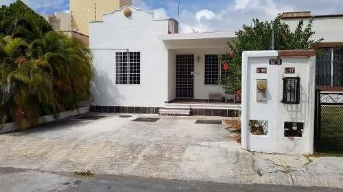 Casa Remodelada En Residencial Las Americas De Un Piso