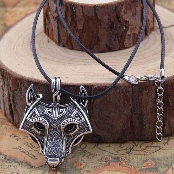 Colar De Lobo Cabeça De Lobo Vikings Com Cordão