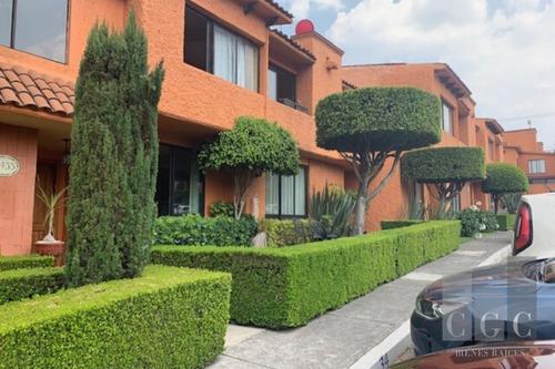 Acogedora Casa En Venta En Lomas De Vista Hermosa